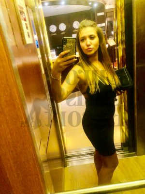 Lillou independent escort