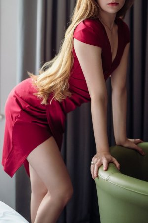 Pura incall escorts in Clayton California